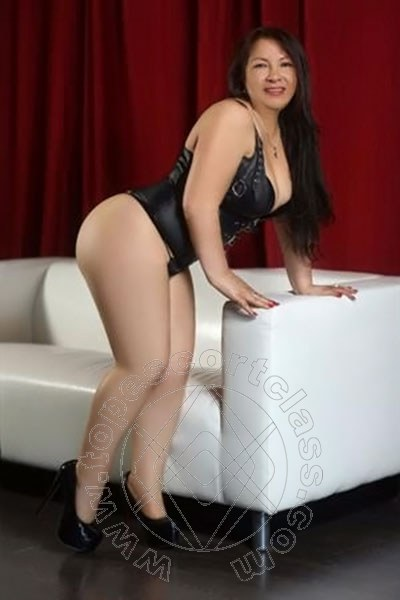 Rebecca Latina  STOCCARDA 004915166363395